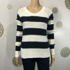 5/$25 Abercrombie & Fitch Blue White Sweater
